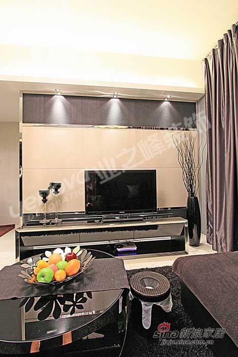 简约 二居 客厅图片来自用户2739378857在5万装78平黑白灰空间11的分享