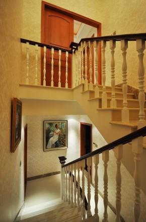 港式 别墅 楼梯图片来自用户1907650565在聚财好运480平美式乡村风61的分享