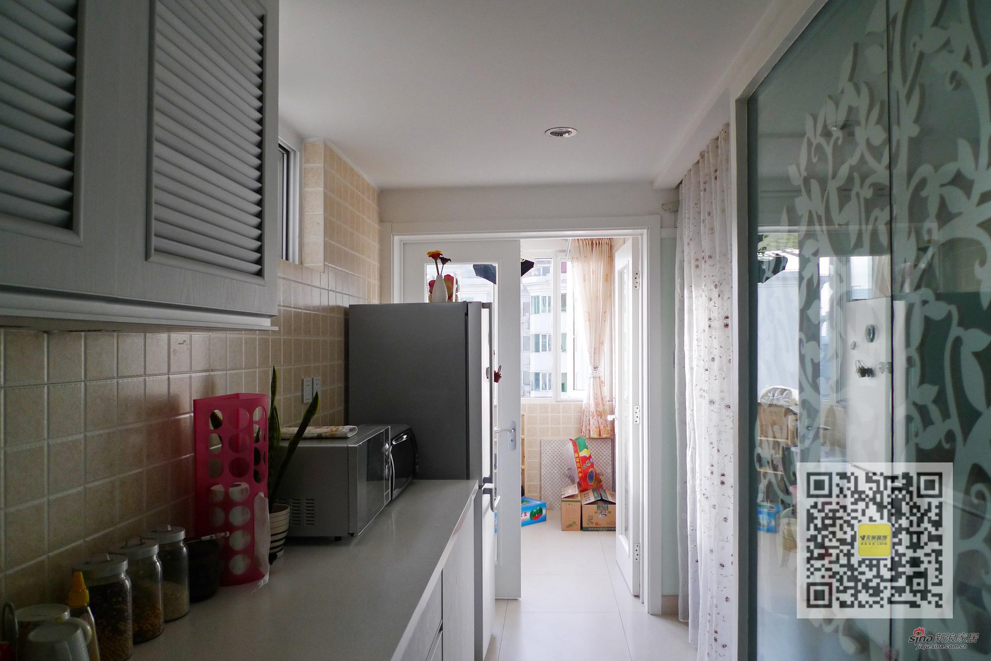简约 二居 厨房图片来自用户2745807237在怡海花园现代简约两居室53的分享