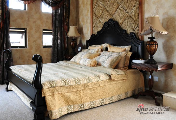 新古典 别墅 卧室图片来自用户1907664341在456平深色系古典雅致空间的分享