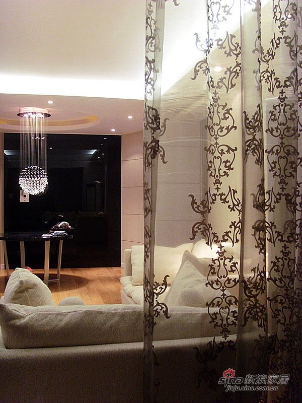 简约 二居 客厅图片来自用户2737782783在80平7万装温馨二室二厅22的分享