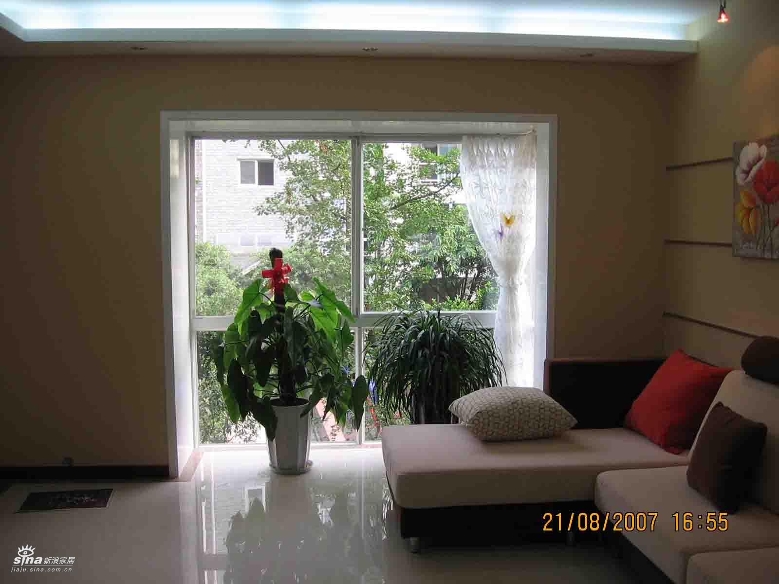 简约 三居 客厅图片来自用户2737759857在我的小筑26的分享