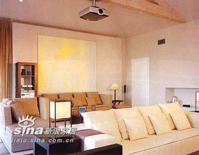 放映室:都市休闲室。最充分利用的不消耗资源之电影技术,银幕墙--把产生发射效果的丙烯酸涂在墙上,造价只有99美元