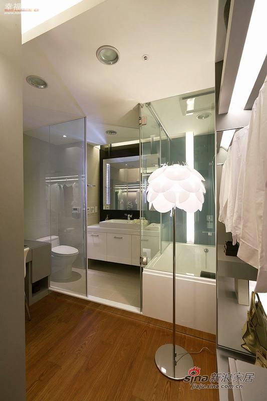 现代 四居 衣帽间图片来自幸福空间在省钱夫妻精装102P现代居室50的分享