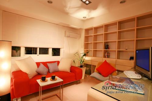 简约 二居 客厅图片来自用户2739081033在缤纷色彩欢乐氛围 83平简约时尚居37的分享