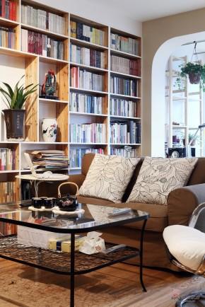现代 三居 客厅 文艺青年图片来自装修微日记在【高清】148平书香满屋现代时尚3居81的分享