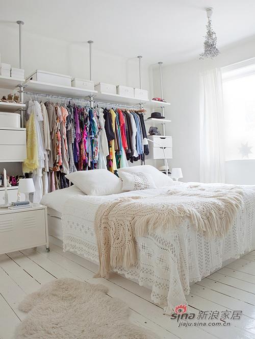 简约 二居 卧室图片来自用户2737759857在Siw5万搭建65平华丽丽的家94的分享