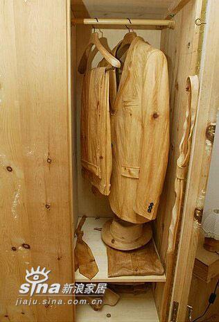 其他 其他 衣帽间图片来自用户2558757937在奇特的纯木制的家 二人温馨世界样板房16的分享
