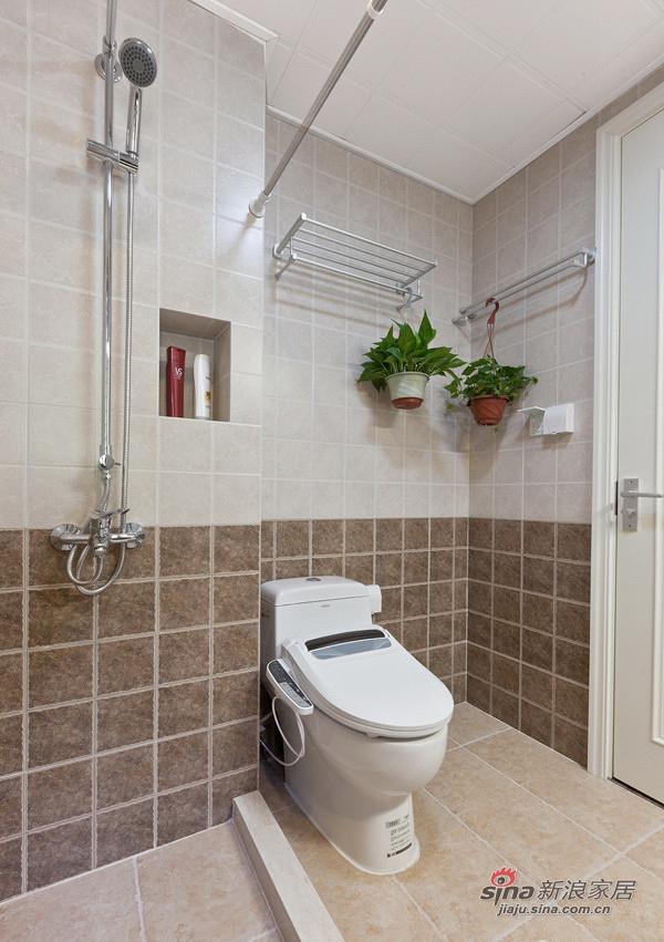 混搭 三居 卫生间图片来自用户1907691673在精品简欧实景150平米大三居97的分享