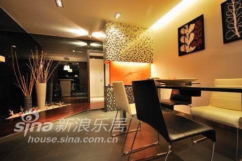 简约 三居 客厅图片来自用户2737759857在奥邦设计——简约85的分享
