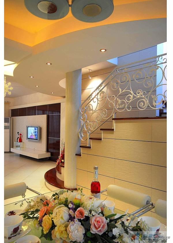 客厅&楼梯