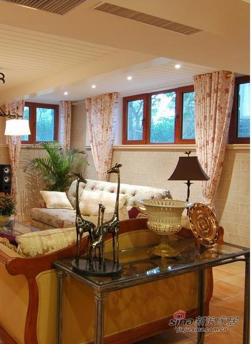 欧式 二居 客厅图片来自用户2745758987在30万打造蝶泉花园338㎡欧式洛可可风情38的分享