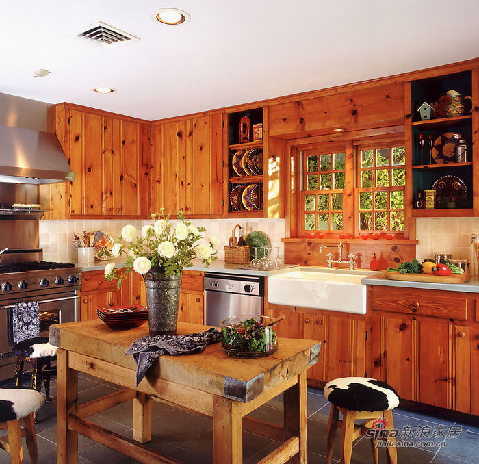 欧式 别墅 客厅图片来自用户2745758987在10万装出别墅奢华范儿52的分享