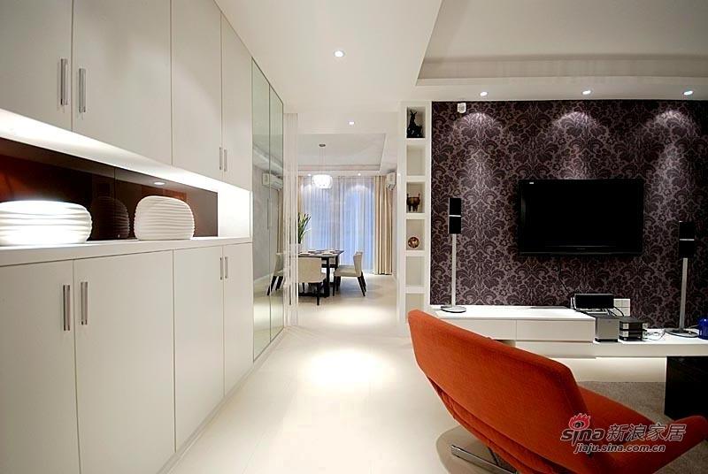 欧式 复式 客厅图片来自用户2772856065在11万打造出80后小夫妻的爱窝16的分享