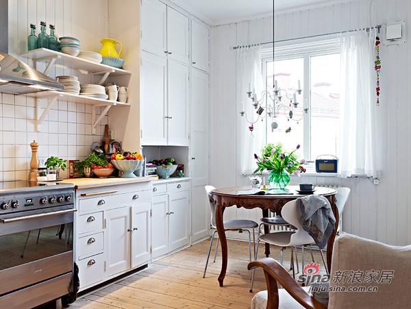 简约 一居 厨房图片来自用户2738813661在靓丽的单身小户56的分享