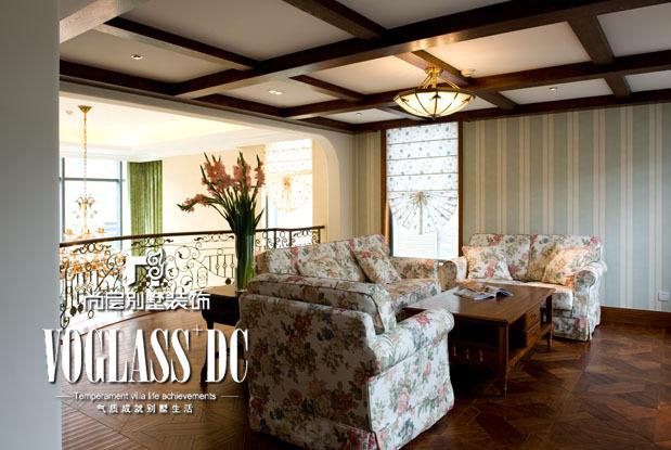美式 别墅 客厅图片来自用户1907685403在【多图】发现生活中的无限风景30的分享