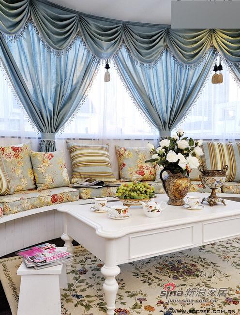 欧式 三居 客厅图片来自用户2746948411在220平低调奢华公主复式房64的分享