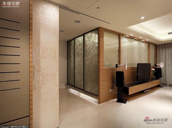 规划入沙发床的和室空间,就可住宿使用