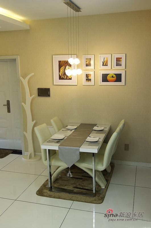 简约 二居 餐厅图片来自用户2737759857在潮女6万打造95平简约家庭影院25的分享