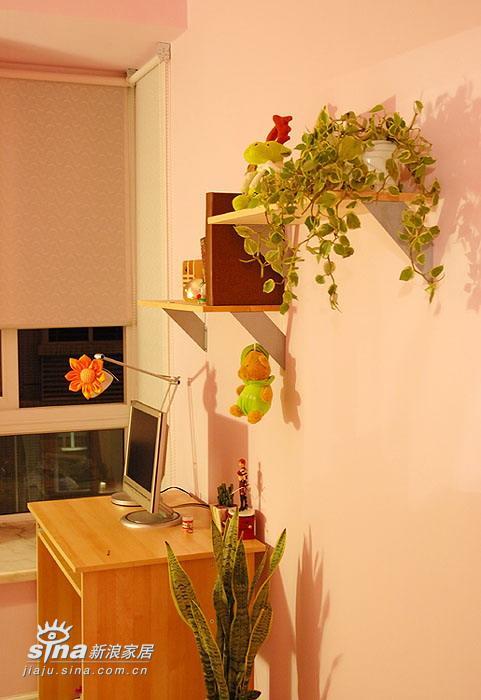 欧式 二居 书房图片来自用户2757317061在温馨、浪漫、略带点华丽的婚房设计66的分享