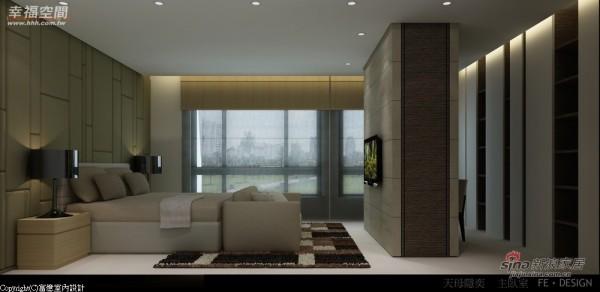 长方柱体区隔出双人床与书房小空间及衣柜范