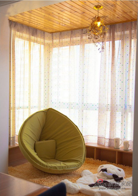 现代 二居 阳台图片来自装修微日记在【高清】小夫妻晒77平现代温馨浪漫婚房40的分享