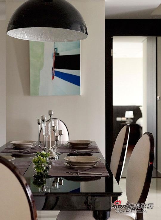 简约 三居 餐厅图片来自用户2739153147在三口家7.8万打造110平现代黑白空间63的分享