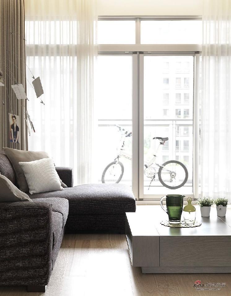 简约 二居 客厅图片来自用户2738813661在6万造112平米日式简约风格93的分享