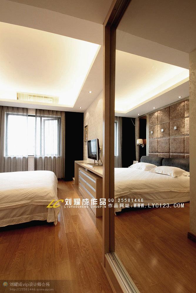 欧式 复式 卧室图片来自用户2746953981在16万妆点135平品味雅致生活41的分享