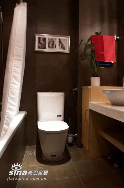欧式 二居 卫生间图片来自用户2746953981在大气的小户型72的分享