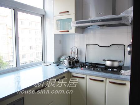 简约 三居 厨房图片来自用户2738845145在大连龙珍阁12的分享