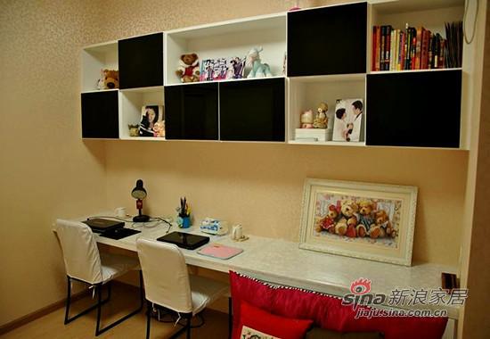 简约 三居 书房图片来自用户2738820801在8万全包100平咖啡色新家90的分享