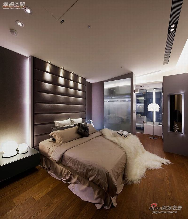 现代 四居 卧室图片来自幸福空间在省钱夫妻精装102P现代居室50的分享