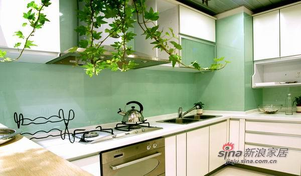 现代 三居 厨房图片来自佰辰生活装饰在9万装100平简约而又温馨家30的分享