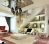沙发背景墙也是采用的镜子于木作混油相结合