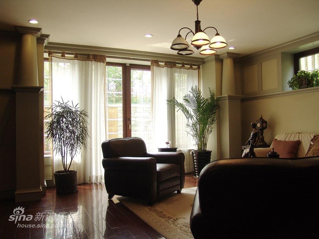 欧式 别墅 客厅图片来自用户2746889121在优雅温馨的古典风格爱家49的分享