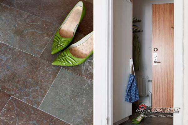 玄关的设计非常简单,可以放置简单的物品也就可以了,门口放置太多会给出入带来不便