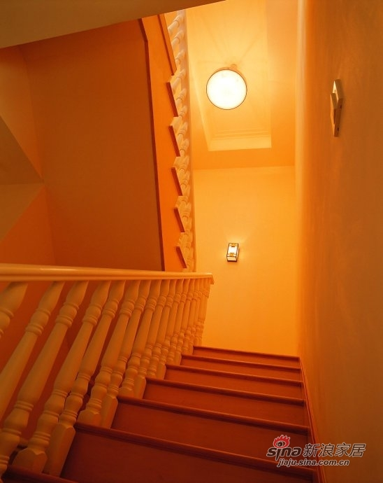 混搭 别墅 楼梯图片来自用户1907655435在【多图】简约中式混搭风别墅设计69的分享