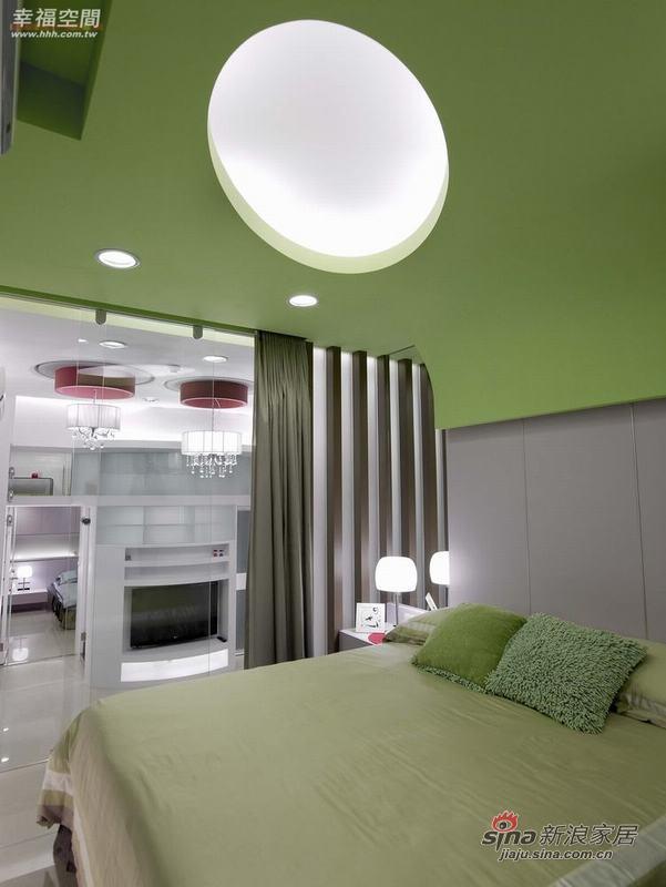 简约 二居 卧室图片来自幸福空间在小夫妻的56平现代时尚小窝窝76的分享