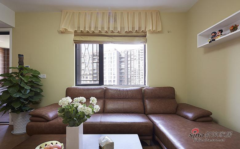现代 三居 客厅 屌丝图片来自装修微日记在【高清】9万打造135平现代素雅空间17的分享