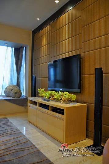 现代 三居 客厅图片来自用户2772355195在实景图3.9万打造120平现代三居93的分享