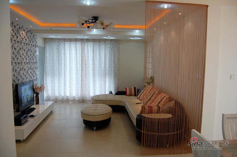 简约 二居 客厅图片来自用户2738813661在三口家5.5万装85平简约时尚2居12的分享