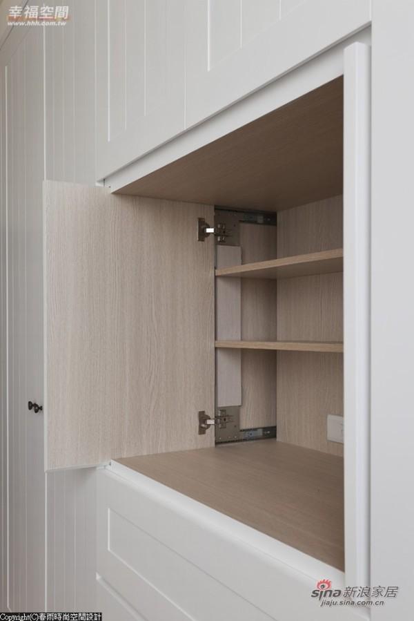 电视柜采取饭店式门片可折迭侧收方式