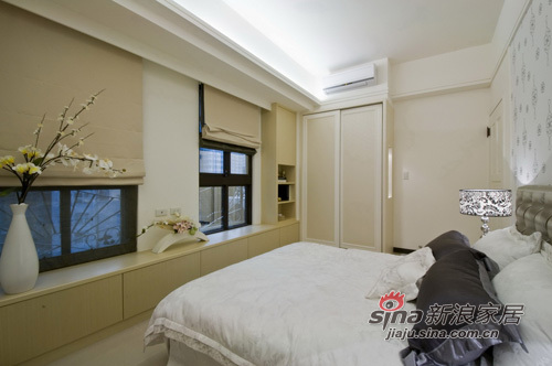 港式 公寓 客厅图片来自用户1907650565在新古典台步 走出名模超凡气质99的分享