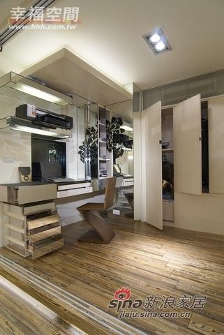 混搭 一居 书房图片来自幸福空间在66平小居室大玩冲突美学45的分享