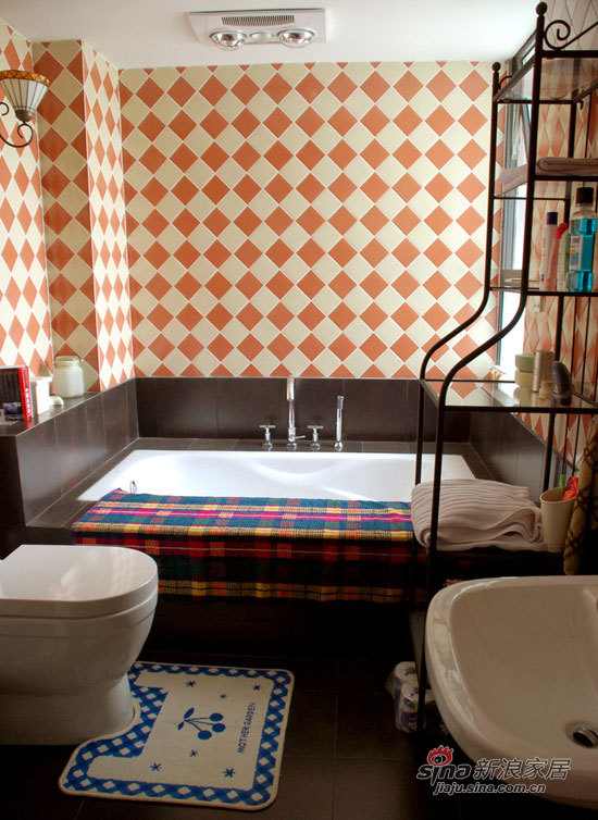 其他 二居 卫生间图片来自用户2737948467在小两口5万搞定67平温馨小居室41的分享