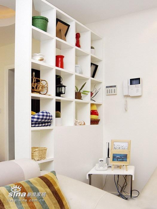 简约 三居 客厅图片来自用户2738820801在三室两厅经典装修案例 甜蜜港湾绽放温馨233的分享