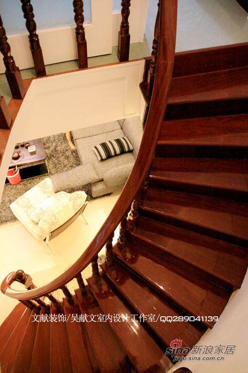 现代简约风格旋转楼梯