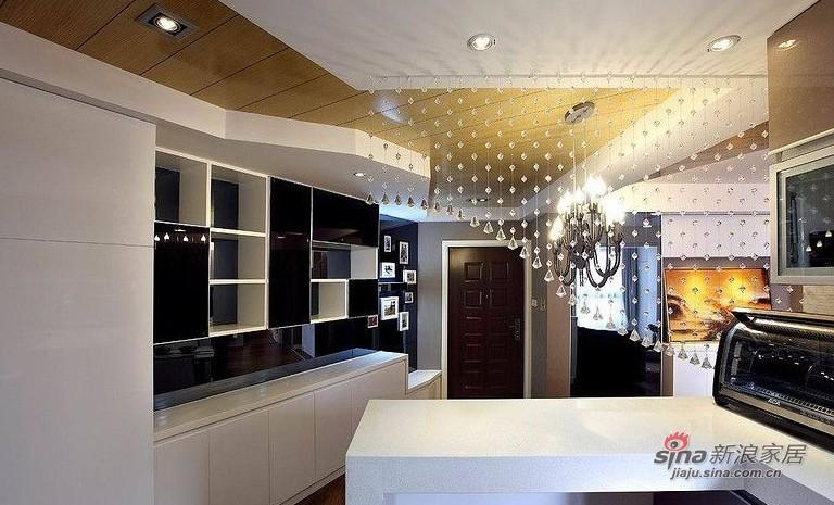 欧式 二居 厨房图片来自用户2745758987在爱人18万装86平黑白低奢华婚房14的分享