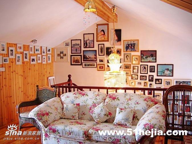 简约 复式 客厅图片来自用户2738829145在三代同堂共享欧式田园家78的分享